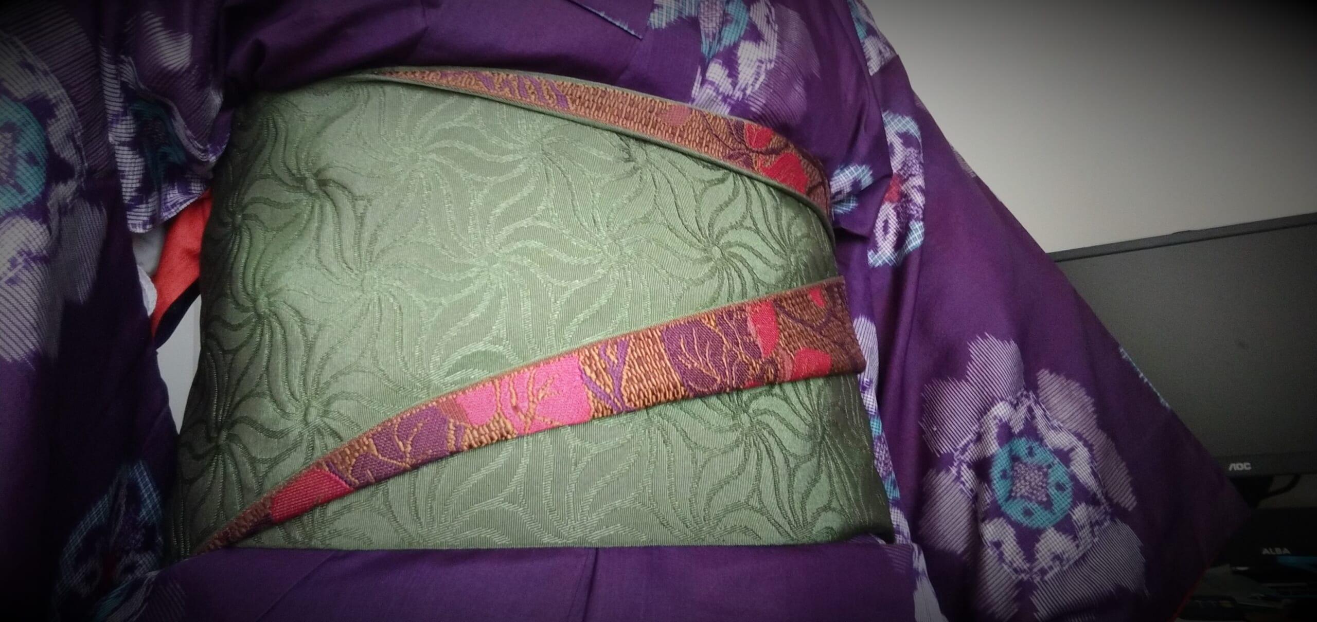 紫の銘仙を着る7