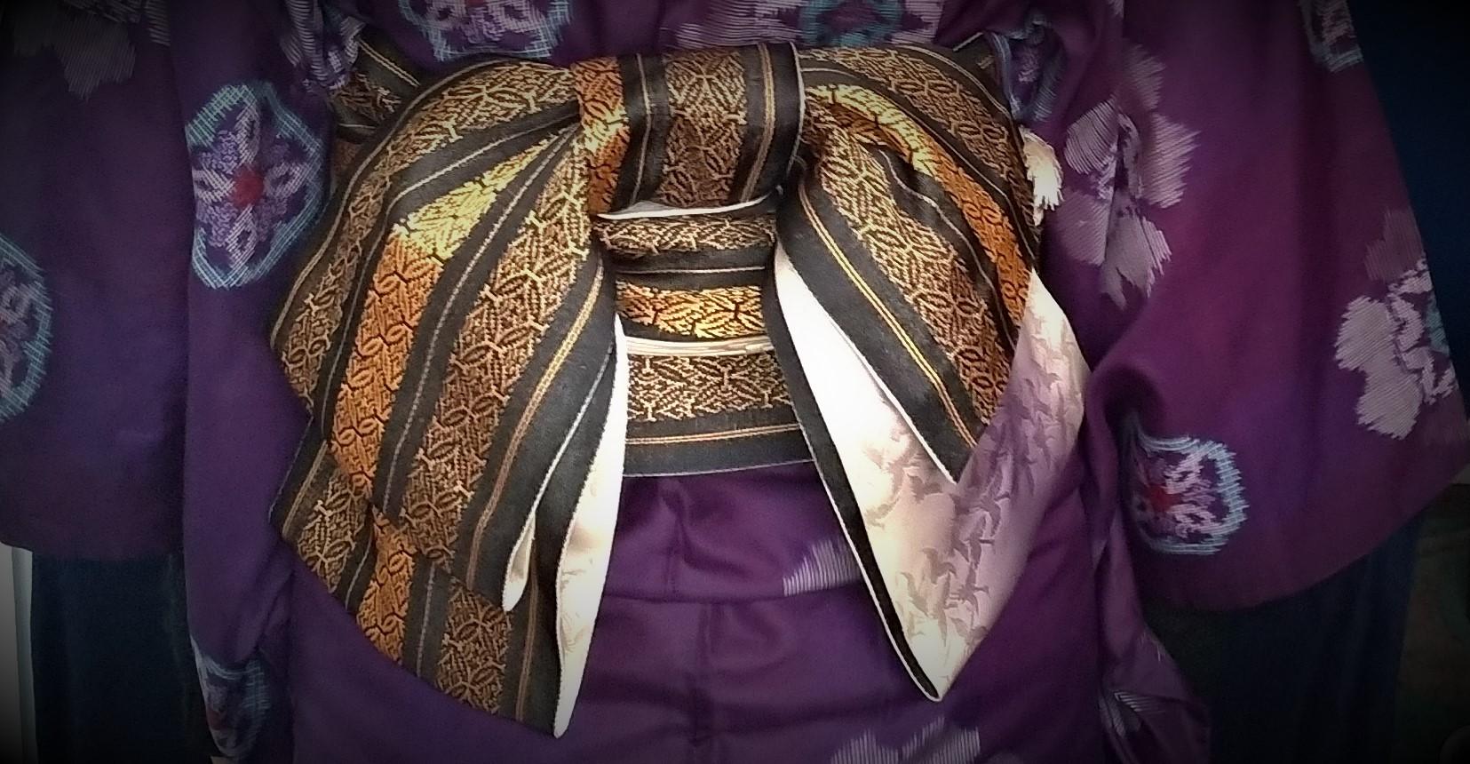 紫の銘仙を着る12